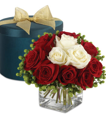Luxury Roses & Berries Hatbox Bouquet